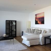 Modern Apartment in Leith with Sea Views!