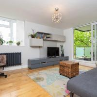 Lovely 1 Bedroom Apartment with Balcony in Putney