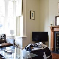 Charming 2 Bed Home 3 mins from Arsenal Station