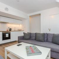 Spacious 2-Bed Flat for 6 - 10 mins from Central