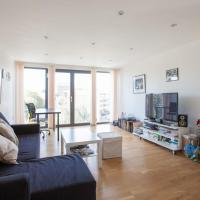 Modern 1 Bedroom Flat in HoxtonShoreditch, hotel in London
