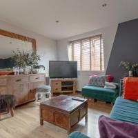 Lovely Top Floor 1-Bedroom Flat in Battersea