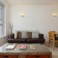 In the Heart of Kensington - Bright & Spacious