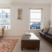 Bright and Spacious 1 Bedroom Apartment in the Heart of Kensington