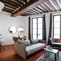 Parisian flat wterrace in Saint Michel-Notre Dame
