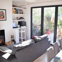 Stunning 3BD Apartment in Brixton!