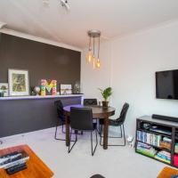 Quirky Urban 1-Bed with Stunning Panoramic Views