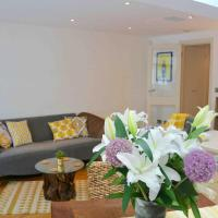 Pleasant Intimate Flat With Backyard in Battersea