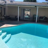 Los Angeles 6 bedroom /3 bath pool