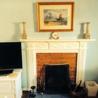 2 bedroomed fisherman's cottage near quay
