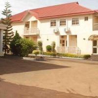 Room in Apartment - Steffan Hotel Suites, hotel in Jos