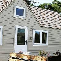 Unique Countryside Tiny Home for four