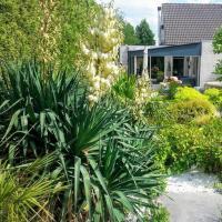 Superior suite met whirlpool in meditarrane tuin bij de Waal