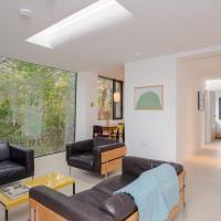 Chic Modern 2 Bedroom Flat in Stoke Newington