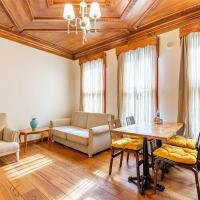 Nostalgic Apartment with Central Location near Popular Attractions in Besiktas