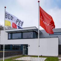 BEDbijPET, hotel in Emmen