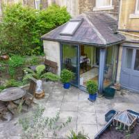 Beautiful and Cosy Garden Flat with Free Parking