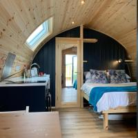 Thistle Pod - Glamping Pod with Hot Tub