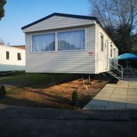 Caravan Hire 3 bedrooms at Rockley Park, Poole