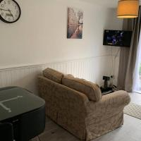 3 Bedroom Newly Redecorated Home Away From Home