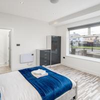 Luxurious 5 Bedroom House, 2 bathrooms & Garden WRA