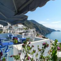 Hotel Holiday, hotell i Praiano