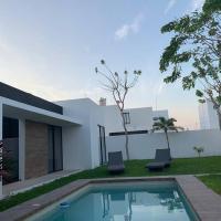 Casa La Rioja, hermoso jardín y piscina privada.