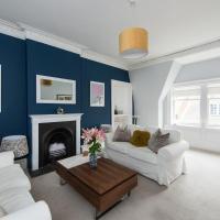 Bright 2 bed apartment North Berwick High Street