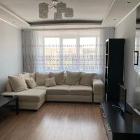 Квартира в микрорайоне Солнечный, hotel in Uglich