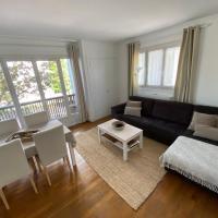 Belle Appartement lumineux avec balcon plein centre .