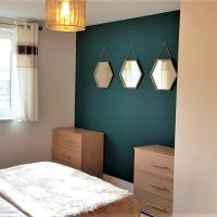 Serenity Stays - Ipswich Marina Retreat- A lovely 2 bed, 2 bathroom apartment overlooking the Marina