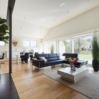 LUXERY LOFT WITH PRIVATE GARDEN AND FREE PRIVATE CAR PARKING