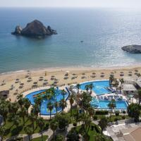 Sandy Beach Hotel & Resort, hotel in Al Aqah