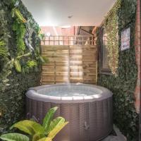 Luxury City Centre Hot Tub Apartment