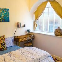 Cosy Flat in a Pretty Town, hotel in Crewkerne