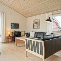 One-Bedroom Holiday home in Gudhjem 2, hotel i Gudhjem