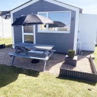 STUNNING, CONTEMPORARY AND SPACIOUS CHALET; SLEEPS 6