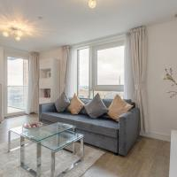 Modern 1-Bedroom Flat in Surrey Quays with Balcony
