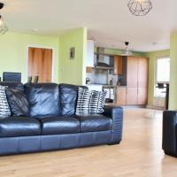 3 Bedroom Apartment in Vibrant Area