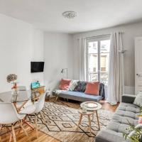 Stunning 2 Bedrooms Apartment - Modern & Cosy