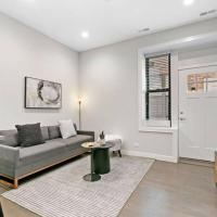 2BR Walk to Shops, In-Unit Laundry, Full Kitchen, hotel in Wicker Park, Chicago