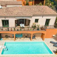 Beautiful villa with sea view and pool, hotel in Saint-Raphaël