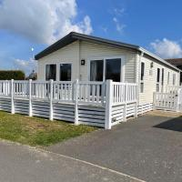 Pevensey Bay Holiday Park Corner Lodge With Own Garden 3 Bedrooms 2 Bathrooms Beach 5 Minutes Walk