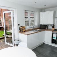 Be More Homely - Cosy 3 bed sleeps 8 FREE PARKING - Close to the N.E.C and BHX Airport