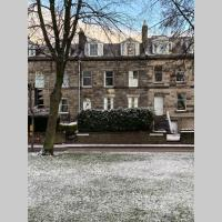 Historic Perth townhouse apartment w. park view