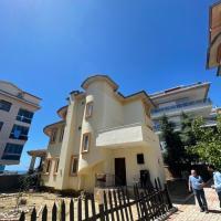 ALANYA KESTEL FOR RENT 4+1 VILLA TO SEA 200m, отель в городе Аланья