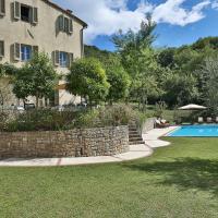 San Macario in Monte Villa Sleeps 11 Air Con WiFi, hotell i Monsagrati