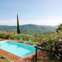 San Martino in Freddana-Monsagrati Villa Sleeps 10, hotell i Monsagrati