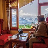 Montana Blues Resort, hotel in Manāli