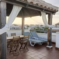 Precioso apartamento nuevo con 2 terrazas y piscina en Vera Playa, hotel en Playas de Vera